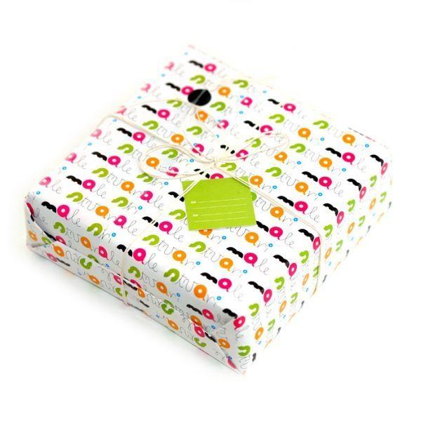 Poklon pakiranje i umatanje proizvoda kupljenih u web shopu Male stvari