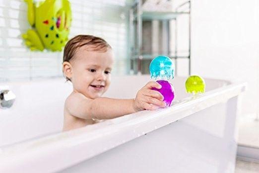 igracka-kupanje-bebe