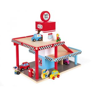 drvena-benzinska-postaja (1)